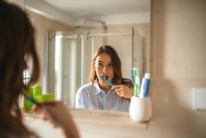 Короткая процедура чистки зубов