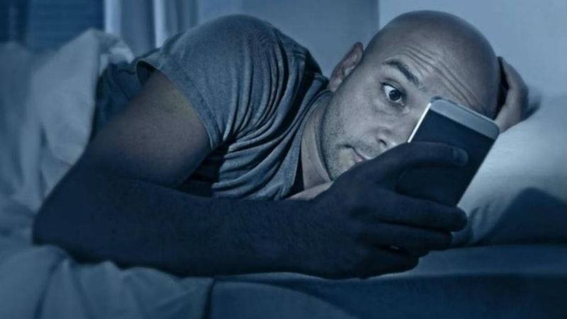 смартфон ночью