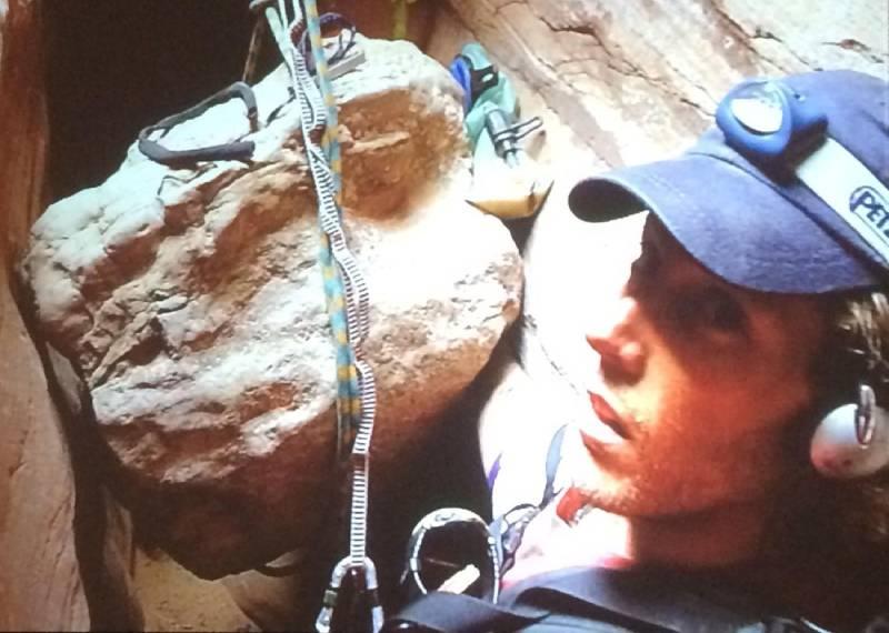 127 часов в ловушке. Альпинисту пришлось отрезать руку, чтобы спастись (СОК.Медиа)