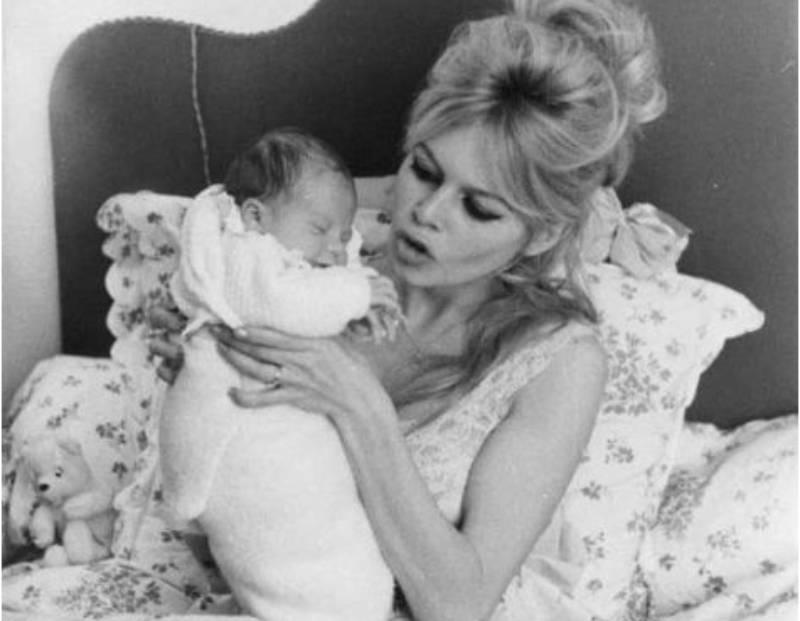 Брижит Бардо — легендарная актриса и непутевая мать. Почему звезда бросила единственного сына?|(СОК.Медиа)
